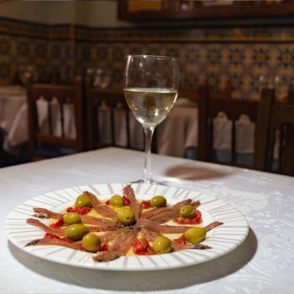 Santoña anchovies and roasted peppers
